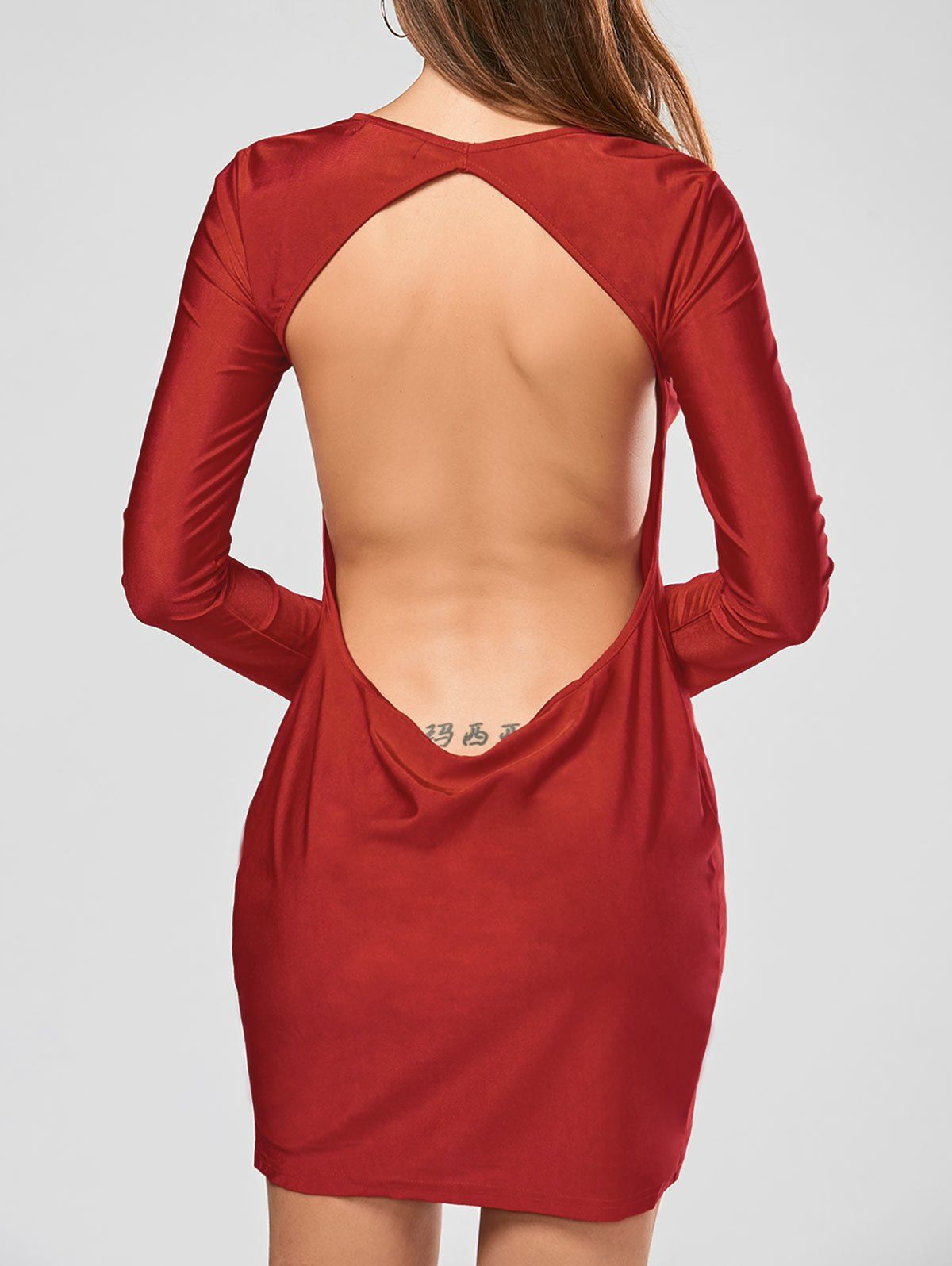 Robe rouge dos nu sexy classe